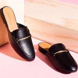 Qupid Black Mules